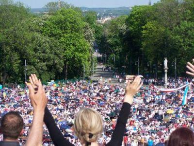XXII Ogólnopolskie Czuwanie Odnowy w Duchu Świętym, spotkanie otwarte - Jasna Góra, Częstochowa