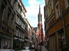 Kolegiata Najświętszej Maryi Panny Bolesnej i św. Aniołów Stróżów w Wałbrzychu – siedziba dekanatu i centralna świątynia Wałbrzycha. 3 maja 2010 została podniesiona do godności kolegiaty. Wybudowany w latach 1898-1904 jako jedno z ostatnich dzieł Alexisa Langera. Jest jednym z największych kościołów w diecezji świdnickiej, zbudowanym w stylu neogotyckim. Jest przeszło 100 lat główną świątynią Wałbrzycha. Kościół ten jest długi na 60 metrów, szeroki na 30, a wysoki na 22 metry.  W świątyni odbywają się najważniejsze wydarzenia o charakterze diecezjalnym. W 2000 roku nadano mu rangę kościoła Jubileuszowego Roku 2000. Odbywały się pielgrzymki wiernych w celu uzyskania odpustu zupełnego. Odbywały się tu inauguracje roku akademickiego uczelni wyższych Wałbrzycha, wszelkie uroczystości patriotyczne w mieście. Miejsce miały także centralne-miejskie uroczystości nawiedzenia obrazów i figur maryjnych: Matki Bożej Częstochowskiej, Ikona Matki Bożej Łaskawej w Krzeszowie, Matki Bożej Fatimskiej, Matki Bożej Sedes Sapientiae (akademickiej); zakończenie peregrynacji Obrazu Jezusa Miłosiernego w dekanatach wałbrzyskich. Przy powoływaniu nowej, trzeciej diecezji Dolnego Śląska w r. 1992 i 2004, kościół był rozważany jako siedziba biskupa diecezjalnego. Pierwotnie miała to być diecezja wałbrzysko-nyska, następnie nazywano ją sudecką, aż wreszcie — świdnicką od siedziby diecezji w Świdnicy.  3 maja 2010 został uroczyście ogłoszony kolegiatą; 15 września 2010 powołano przy niej kapitułę składająca się z księży kanoników[2]. 3 maja 2015, w 5. rocznicę ustanowienia wałbrzyskiej kapituły kolegiackiej, bp Ignacy Dec odsłonił pamiątkowe epitafium informujące, że świątynia ma status kolegiaty[3].  W kościele znajdują się organy wykonane przez firmę Schlag & Söhne ze Świdnicy. Instrument ma 46 rejestrów oraz pneumatyczne traktury – trakturę gry i trakturę rejestrów[4]  Księża kanonicy Z Założenia do grona kanoników kapituły wałbrzyskiej przyjmowani są proboszczowie miasta Wałbrzycha, ale ta