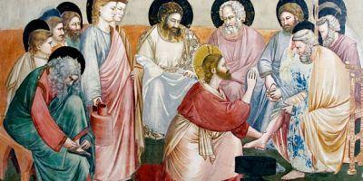 """9 kwietnia 2020czwartek Rok liturgiczny: A/II Triduum Paschalne Pierwsze czytanie:Wj 12, 1-8. 11-14Psalm responsoryjny:Ps 116BDrugie czytanie:1 Kor 11, 23-26Werset przed Ewangelią:J 13, 34Ewangelia:J 13, 1-15 św. Madrun, św. Uramar, św. Hugo z Rouen, św. Gaucheriusz, św. Maria Kleofasowa, św. Waldetrudis. Kolor szat PIERWSZE CZYTANIE Wj 12, 1-8. 11-14 Czytanie z Księgi Wyjścia  Pan powiedział do Mojżesza i Aarona w ziemi egipskiej: «Miesiąc ten będzie dla was początkiem miesięcy, będzie pierwszym miesiącem roku! Powiedzcie całemu zgromadzeniu Izraela tak:  """"Dziesiątego dnia tego miesiąca niech się każdy postara o baranka dla rodziny, o baranka dla domu. Jeśliby zaś rodzina była za mała do spożycia baranka, to niech się postara o niego razem ze swym sąsiadem, który mieszka najbliżej jego domu, aby była odpowiednia liczba osób. Liczyć je zaś będziecie dla spożycia baranka według tego, co każdy może spożyć. Baranek będzie bez skazy, samiec, jednoroczny; wziąć możecie jagnię albo koźlę. Będziecie go strzec aż do czternastego dnia tego miesiąca, a wtedy zabije go całe zgromadzenie Izraela o zmierzchu. I wezmą krew baranka, i pokropią nią odrzwia i progi domu, w którym będą go spożywać. I tej samej nocy spożyją mięso pieczone w ogniu, i chleby przaśne będą spożywali z gorzkimi ziołami.  Tak zaś spożywać go będziecie: biodra wasze będą przepasane, sandały na waszych nogach i laska w waszym ręku. Spożywać będziecie pośpiesznie, gdyż jest to Pascha na cześć Pana.  Tej nocy przejdę przez Egipt, zabiję wszystko pierworodne w ziemi egipskiej, od człowieka aż po bydło, i odbędę sąd nad wszystkimi bogami Egiptu – Ja, Pan. Krew posłuży wam do oznaczenia domów, w których będziecie przebywać. Gdy ujrzę krew, przejdę obok i nie będzie pośród was plagi niszczycielskiej, gdy będę karał ziemię egipską.  Dzień ten będzie dla was dniem pamiętnym i obchodzić go będziecie jako święto dla uczczenia Pana. Po wszystkie pokolenia – na zawsze w tym dniu będziecie obchodzić święto"""