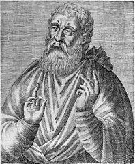 1 czerwca Święty Justyn, męczennik Justyn urodził się na początku II w. we Flavia Neapolis (dzisiejszy Nablus w Samarii), w pogańskiej rodzinie. Po upadku Jerozolimy w 70 r. miasto było jednym z ważniejszych centrów kultury greckiej i rzymskiej na terenie Palestyny. Od młodości pasjonował się filozofią i problemami ogólnoludzkimi. Przebadał systemy Platona, Arystotelesa, Pitagorasa, epikurejczyków i modnych wówczas stoików. Jeszcze bardziej nurtowały go problemy religijne. W ten sposób zainteresował się judaizmem i chrześcijaństwem. Czytał Pismo św. i przyglądał się życiu chrześcijan. Badał ich naukę, obserwował ich obyczaje. Około roku 130 przyjął chrzest w Efezie. Stał się gorliwym wyznawcą. Justyn to najważniejszy apologeta chrześcijaństwa w II wieku. Wykorzystując autorytet, jaki sobie zdobył prawością charakteru i posiadaną wiedzą, zgromadził koło siebie uczniów i chętnie prowadził z nimi dyskusje na tematy filozoficzne, etyczne i religijne. Sam przekonany o tym, że tylko w chrześcijaństwie jest pełna prawda, dążył do tego, by i jego uczniowie byli o tym przekonani. Jednym z jego uczniów był Tacjan, późniejszy apologeta. Chętnie też spotykał się z filozofami pogańskimi i żydowskimi, aby żarliwie z nimi dyskutować na wspomniane tematy. W roku 135 spotkał się w Efezie z pewnym rabinem żydowskim, Tryfonem, i odbył z nim wielogodzinną dyskusję. Pamiątką tej rozmowy jest dzieło św. Justyna pod tytułem Dialog z Żydem Tryfonem. W tym czasie Justyn wydał też dwie apologie. Pierwszą z nich skierował do Rzymian, drugą zaś - formalnie do senatu rzymskiego. Wykazywał w nich odważnie, jak mylne poglądy mieli poganie o chrześcijanach i obalał zarzuty, stawiane wyznawcom Chrystusa przez pogan. Była to niemała odwaga. Od 100 lat wiara w Chrystusa była na państwowym indeksie. Od czasów Nerona chrześcijanie byli uważani za głównego wroga cesarstwa; należało ich tępić wszelkimi dostępnymi środkami. Nie odwołano krwawych edyktów, wydanych przez Nerona (54-68) i Domicjana (81-96). 
