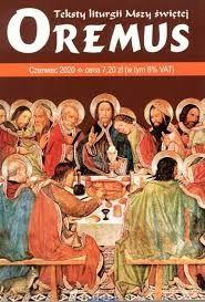 """""""Kto spełnia wymagania prawdy, zbliża się do światła"""" (J 3, 21). Kwestia postawiona przez Piłata: """"Co to jest prawda?"""" (J 18, 38), została rozstrzygnięta. A mianowicie wyczerpującą odpowiedź daje Ewangelia ogłoszona przez Tego, który powiada o sobie: """"Ja jestem prawdą"""" (J 14, 6). Trzeba było zaznajomić jeszcze świat z Ewangelią, w czym pomogło działanie Ducha Świętego. Albowiem drugim niezmiernej wagi zdarzeniem Zielonych Świątek to zapoczątkowanie przepowiadania Ewangelii! Książę apostołów, Piotr, powstał i nauczał o Jezusie ukrzyżowanym i chwalebnym jego zmartwychwstaniu. Za nim poszli inni apostołowie. A czego dokonał Duch Święty przez przepowiadanie Ewangelii? Wniósł tą drogą światłość w ciemny świat. Padły smugi rozświetlające, czym Bóg a czym człowiek, czym czas a czym wieczność, czym cierpienie i śmierć sama. Jak olbrzymia, rzucająca snopy światła, latarnia morska wskazywała Ewangelia po omacku idącym, szukającym i błąkającym się - sens życia, jego cel i drogę do celu wiodącą; wskazywała im nieśmiertelność duszy, miłość ku ubogim, starcom i chorym; wskazywała godność kobiety i nawet ostatniego niewolnika; wskazywała, czym cnota a czym grzech, i wreszcie padały jej promienie za grób, naświetlając wieczną nagrodę i karę. Wyniki już pierwszego wystąpienia z nauką Ewangelii były zdumiewające. Ponad 3000 żądnych zbawienia przyjęło Chrzest św. i pytali się w świętej gorliwości: """"Cóż mamy czynić, bracia?"""" (Dz 2, 37). Łasce Ducha Świętego zawdzięczamy, że Ewangelia św. dochowała się nam i tobie. On poprzez długi szereg papieży i biskupów zachował ją nieskażoną. Odnoś się więc z wielką czcią do tej księgi nad księgami. Wybierz sobie to dzieło Ducha Świętego na swoją lekturę. Z niego zawsze przemawia ten sam Duch Święty, który je natchnął i ustrzegł. Pamiętaj zawsze, że nauka Ewangelii """"nie jest słowem ludzkim, ale słowem Boga"""" (1 Tes 2, 13).Intencja wspólnoty: Módlmy się za ofiary cywilizacji śmierci: aborcji, eutanazji, niszczenia rodziny oraz promowania dewiacji, a """