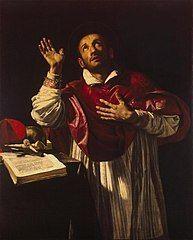 """XCII 4 listopada 2020 Środa Rok liturgiczny: A/II Wspomnienie Św. Karola Boromeusza, biskupa Wizja i odwaga - św. Karol Boromeusz Kościół potrzebował głębokiej odnowy, zwłaszcza duchowieństwa. I wtedy właśnie Karol Boromeusz przeobraża się z dworskiego kardynała w autentycznego pasterza.  Gorliwy duszpasterz Nadzieja w czasach zarazy Miłość w czasach zarazy To był klasyczny przykład nepotyzmu, czyli zwyczaju obsadzania stanowisk swoimi krewnymi. 21-letni Karol Boromeusz (1538–1584) został kardynałem dzięki swojemu wujowi – papieżowi Piusowi IV. Rodzice już od dziecka przeznaczyli go do kościelnej kariery. Jako 7-letni chłopak otrzymał tytuł opata w Aronie! Oczywiście w tego typu nominacjach chodziło o dochód z tytułu beneficjum. Młody kardynał, starannie wykształcony prawnik, szybko staje się prawą ręką papieża.  W jego rodowym herbie widnieje wypisane złotem słowo humilitas, czyli pokora. Żyje tak jak większość renesansowych kardynałów: w nowo wzniesionym pałacu, wśród wystawnych bankietów, polowań i zabaw. Jest jednak sprawnym organizatorem i dobrym dyplomatą, a Opatrzność strzeże go przed zepsuciem. Młody kardynał wspiera papieża w pracach nad zakończeniem Soboru Trydenckiego, który był odpowiedzią Kościoła na szerzącą się w Europie reformację. Kościół potrzebował nie tylko dokumentów porządkujących doktrynę. Potrzebował głębokiej odnowy, zwłaszcza duchowieństwa.  I wtedy właśnie Karol Boromeusz przeobraża się z dworskiego kardynała w autentycznego pasterza. Decyduje się na przyjęcie święceń kapłańskich, mimo że papież ze względów dynastyczno-rodzinnych namawia go do małżeństwa. Jako kapłan jest pod wpływem dynamicznie rozwijających się jezuitów. Siły dodaje mu też przyjaźń ze św. Filipem Nereuszem, opiekunem rzymskiej biedoty. Reformuje własne życie, a potem zabiera się za """"kolegów po fachu"""". Usuwa zbytek, ogranicza służbę. Jego przykład, nie bez oporów, działa na Kurię Rzymską. Jednym z postanowień soboru był nakaz rezydencji biskupów w swojej diecezji. Poniewa"""