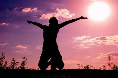"""""""Boża radość jak rzeka... , Boża radość wypełnia duszę mą..."""" czuję radość od Pana :) Panie Jezu mój najlepszy przyjacielu wielbię Cie, jesteś kochany :)"""